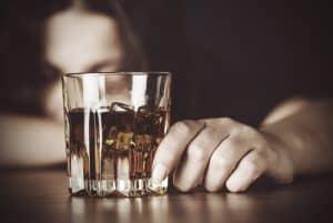 Через скільки часу можна пити алкоголь після застосування вагінальних свічок