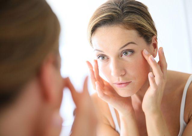 Способи місцевого впливу для зменшення набряку обличчя